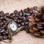 خرید ساعت گردنبندی زنانه طرح دار برنجی 3